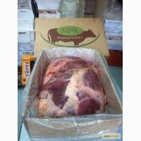 The back of the beef with rump+shank in packaging/Задняя часть говядины идет с кострецом и