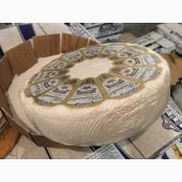 Сыр с белой плесенью и грецким орехом Камадет (производство Чехия)
