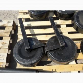 Ліве колесо в зборі з стійкою однорядної картоплекопалки
