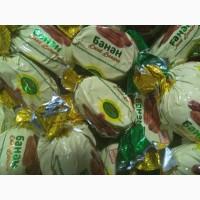 Груша в шоколаде, шоколадные конфеты в ассортименте