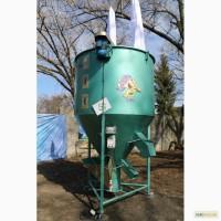 Вертикальный кормосмеситель «ГНОМ» 500 кг