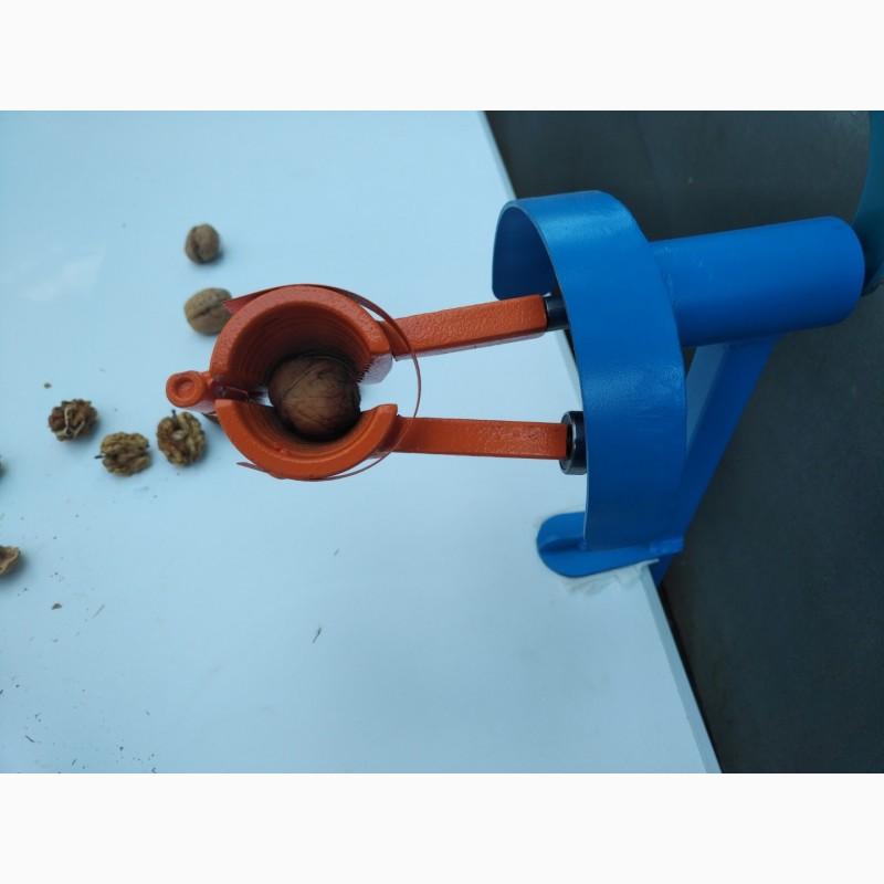 Фото 4. Орехокол стальной полупромышленный(прибор для чистки орехов)