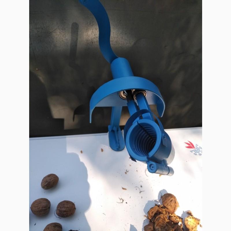 Фото 9. Орехокол стальной полупромышленный(прибор для чистки орехов)