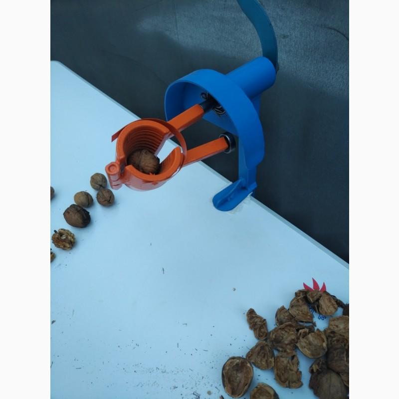 Фото 3. Орехокол стальной полупромышленный(прибор для чистки орехов)