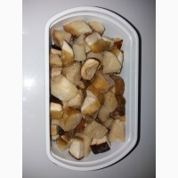 Кубік білого гриба заморожений